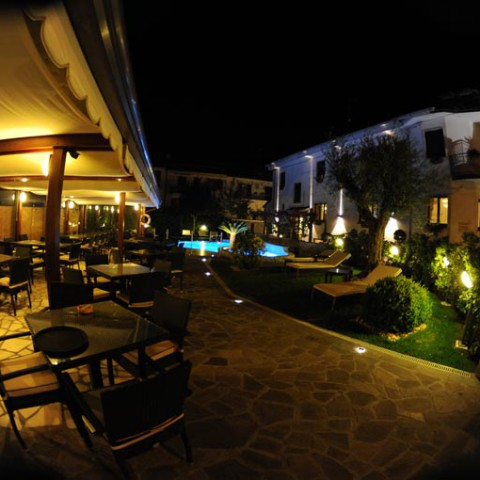 piscina-hotel-le-due-torri2